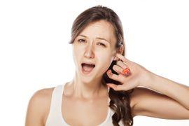 Что делать, если чешутся уши внутри