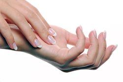 Чешется палец