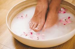 Принятие ножных ванночек