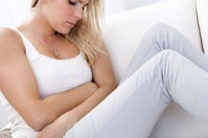 Дискомфорт у девушки